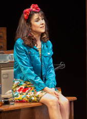 Gillian Kearney as Rita at the Lowry 2013. Photo Creidt: Jonathan Keenan